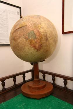 Márai földgömbje az egykori kassai emlékszobából