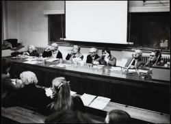 Nemes Nagy Ágnes, Pilinszky János, Károlyi Amy, Weöres Sándor, Juhász Ferenc és Vas István (London,  King's College, 1980. március)