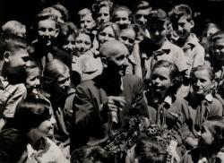 Tersánszky Józsi Jenő diákok között