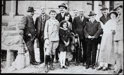 Vas család barátokkal (Badgastein, 1925)