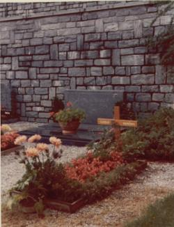 Kerényi Károly sírja Luganóban