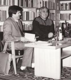 Cs. Varga István irodalomtörténésszel író-olvasó találkozón (Pétervására, Művelődési Ház, 1987. április 17.)