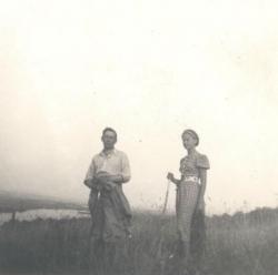 Áprily Lajos Márta lányával Visegrádon, 1937