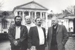 A Grúz Írószövetség vendégeként Tóth Bálint, Bella István és Ágh István társaságában (1988)
