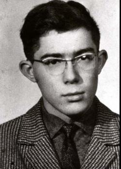 A szekszárdi Garay János Gimnázium orosz tagozatos diákjaként (1964 körül)