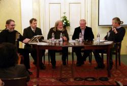 Buda Ferenc 80. születésnapi köszöntésén Dinnyés József, Vasy Géza, Füzi László és Radics Péter társaságában (2016, DIA)