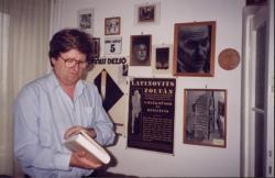 Budakeszi otthonában (1990; Fotó: Molnár Edit)