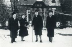 Fodor András, Mátis Sarolta (F.A. felesége), Fülep Lajos és Lator László a Széher úton, 1957. január 13.