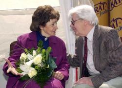 Szabó Magda és Sütő András 2001 májusában a debreceni könyvhéten