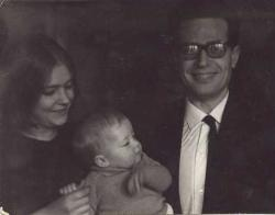 Lángh Júliával, második feleségével és kislányukkal, Dorkával