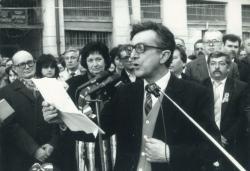 Lator László Beregszászon Ferenczy Béni Petőfi-szobrának avatásán, 1980-as évek