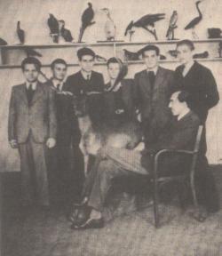 Az óbudai Árpád gimnáziumban (1942)