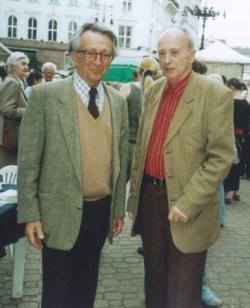Lator László és Domokos Mátyás a Könyvhéten (Vörösmarty-tér), 1996
