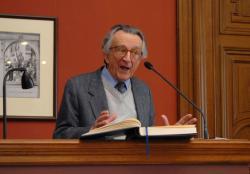 Lator László a Széchenyi Irodalmi és Művészeti Akadémián (fotó: SzIMA Archívuma, Fáy Béla felvétele)