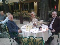 Bognár Róbert, Lator László, Szőnyi Ferenc szerdai ebéden a Mongol étteremben (Várady Szabolcs felvétele)