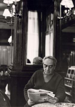 Zelk Zoltán a Hungária Kávéházban