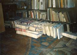 A zárolt napló kötegei Szentkuthy Miklós lakásában az 1980-as években