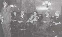 Jókai Anna köszöntése 60. születésnapján, a Fészek Klubban (Szabó Magda, Göncz Árpád, Jókai Anna, Mándy Iván)