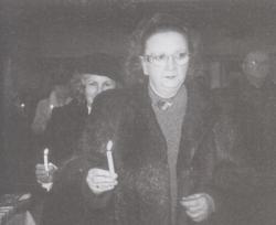 Majzik Mária Ima Magyarországért című domborművének avatása a Minden Szentek Templomában, 2004 január