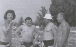 Esterházy Péter, Gion Nándor, Bertók László és Szederkényi Ervin (Szigliget, 1983)