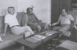 Laczkó András, Bertók László és Szederkényi Ervin a Jelenkor szerkesztőségében (Pécs, 1985)