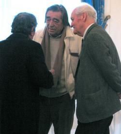 Juhász Ferenc (háttal), Somlyó György, Kányádi Sándor (2004, DIA)