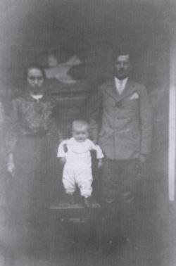 Szüleivel (Vése, 1936)