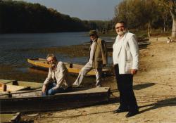 Szakonyi Károly, Gyurkovics Tibor és Bertha Bulcsu a mártélyi Tisza-parton