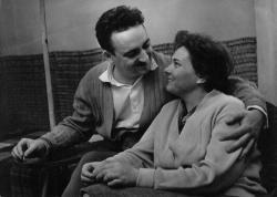 Feleségével 1963-ban Angyalföldön, a Vőlegény utcában