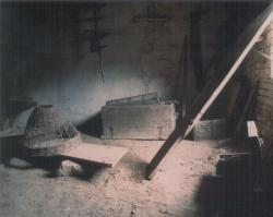Az iszkázi ház pusztulóban, a felújítás előtt