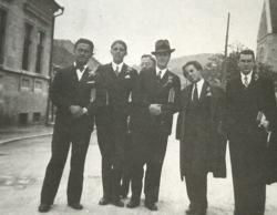 1934. Ballagási kép. (Jobbról a második.)