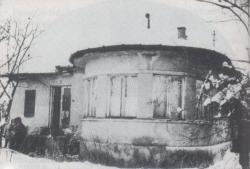 A család háza Rákosfalván