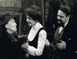 Az Egy erkölcsös éjszaka című filmben, Makay Margittal és Psota Irénnel, 1977
