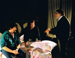 Császármorzsa című darabját rendezi, 1994