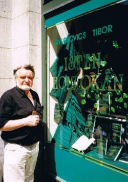 Kirakat az Isten homlokán kötet megjelenésekor, 1998