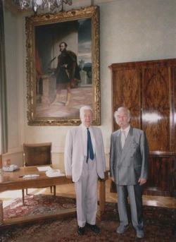 Kosáry Domokossal az Akadémián a székfoglaló beszéde után, 1993
