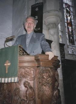 """Valamelyik szép katedrálisban a huncut """"prédikál"""""""