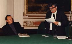 Székfoglaló a Széchenyi Akadémián, mellette Jovánovics György (fotó: a Széchenyi Irodalmi és Művészeti Akadémia Archívuma, Fáy Béla felvétele)