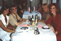 Juhász Ferenc családjával