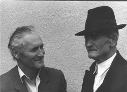 Édesapjával, Kányádi Miklóssal, Nagygalambfalván, 1967