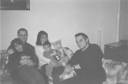 Fiai, menye és unokái, 2001