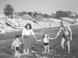 Feleségével, Tichy Magdolnával Los Angelesben, a Csendes-óceán partján, 1981