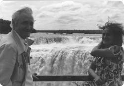 Feleségével, Tichy Magdolnával az Iguassu-vízesésnél, 1981