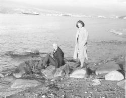 Feleségével, Tichy Magdolnával a Csendes-óceán partján, Vancouverben, 1981