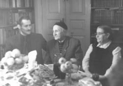 Dmitie Gulia abház íróval és feleségével, Abházia, Szuhumi, 1956. október