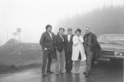 Balról: Lászlóffy Aladár, Sulyok Vince, Kányádi Sándor mellett Sulyok V. felesége, a Maros völgyében (1974)