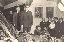 Zsögödi Nagy Imre temetésén Bajor Andor, K.S., Bálint Tibor áll őrséget, 1976