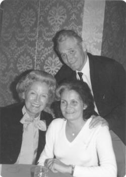 Kányádi Sándor és felesége, Tichy Magdolna, Szörényi Évával Los Angelesben, 1981