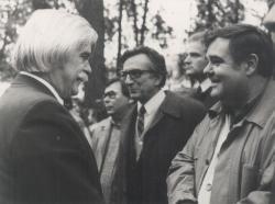 Perényi Zsigmond szobrának (újra)avatásán Nagyszőlősön, Katona Tamással, 1991