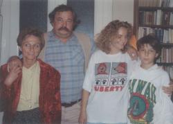 Második feleségével, Vathy Zsuzsával és gyermekeikkel, Fruzsinával és Zsigmonddal
